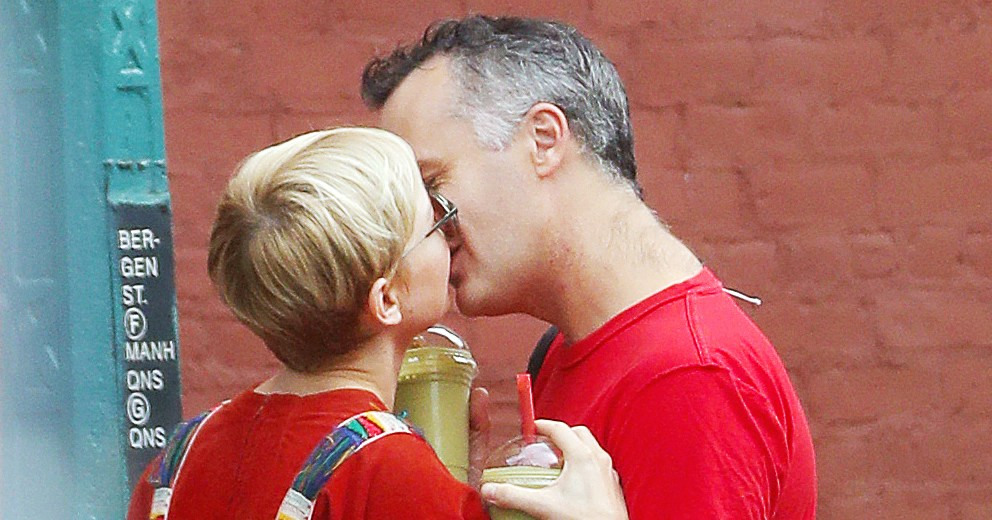 So in Love! Michelle Williams Kisses New Husband Phil Elverum