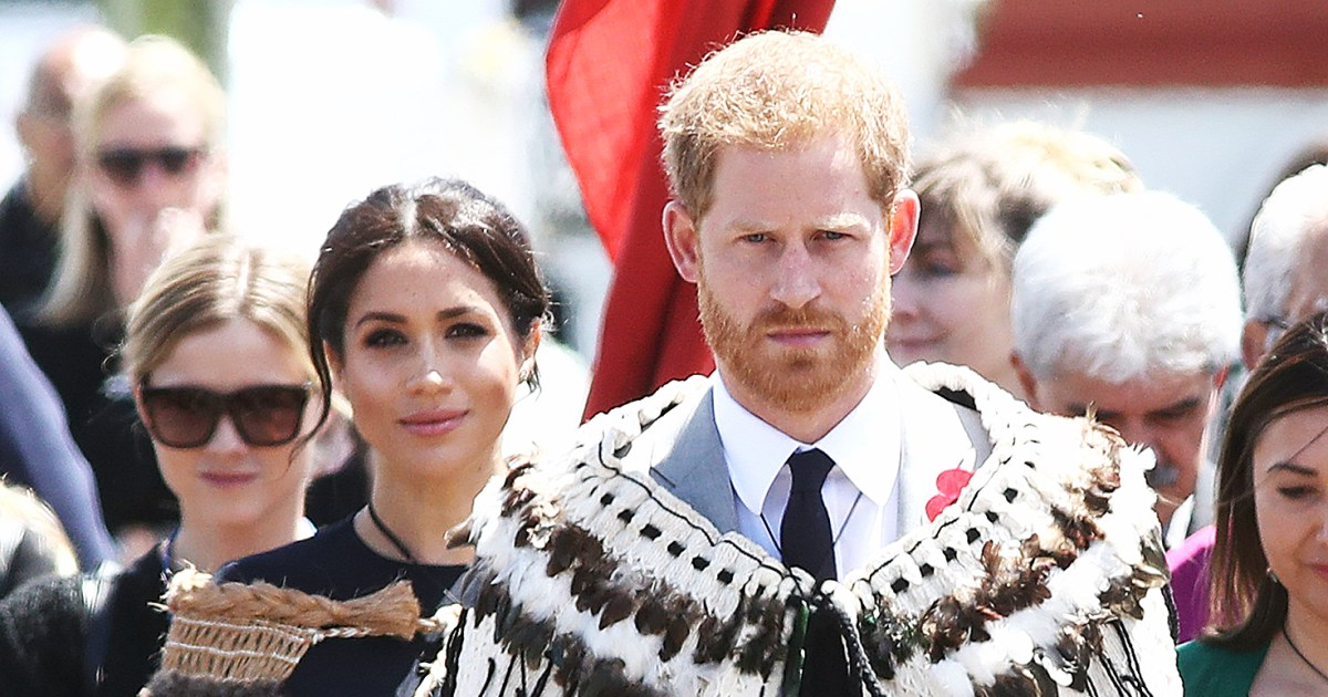 Harry and Pregnant Meghan Step Out for Final Day of Royal Tour: Pics