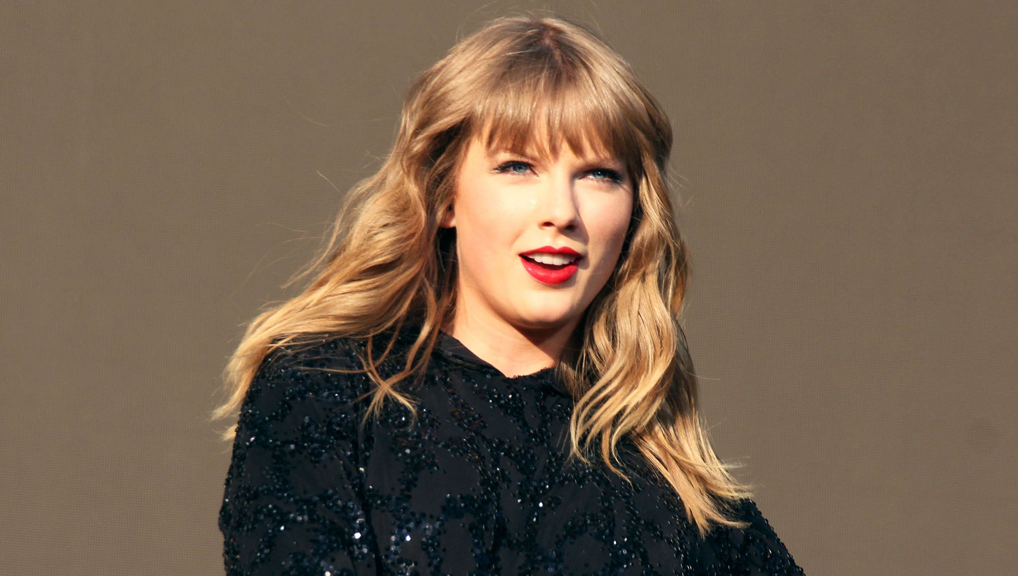 Taylor Swift Announces Her First Awards Show Performance in Nearly Three Years