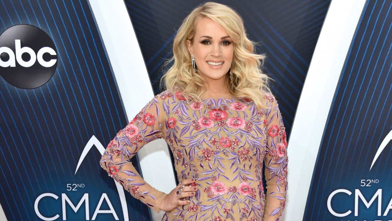 Carrie-Underwood-CMA-Awards-18