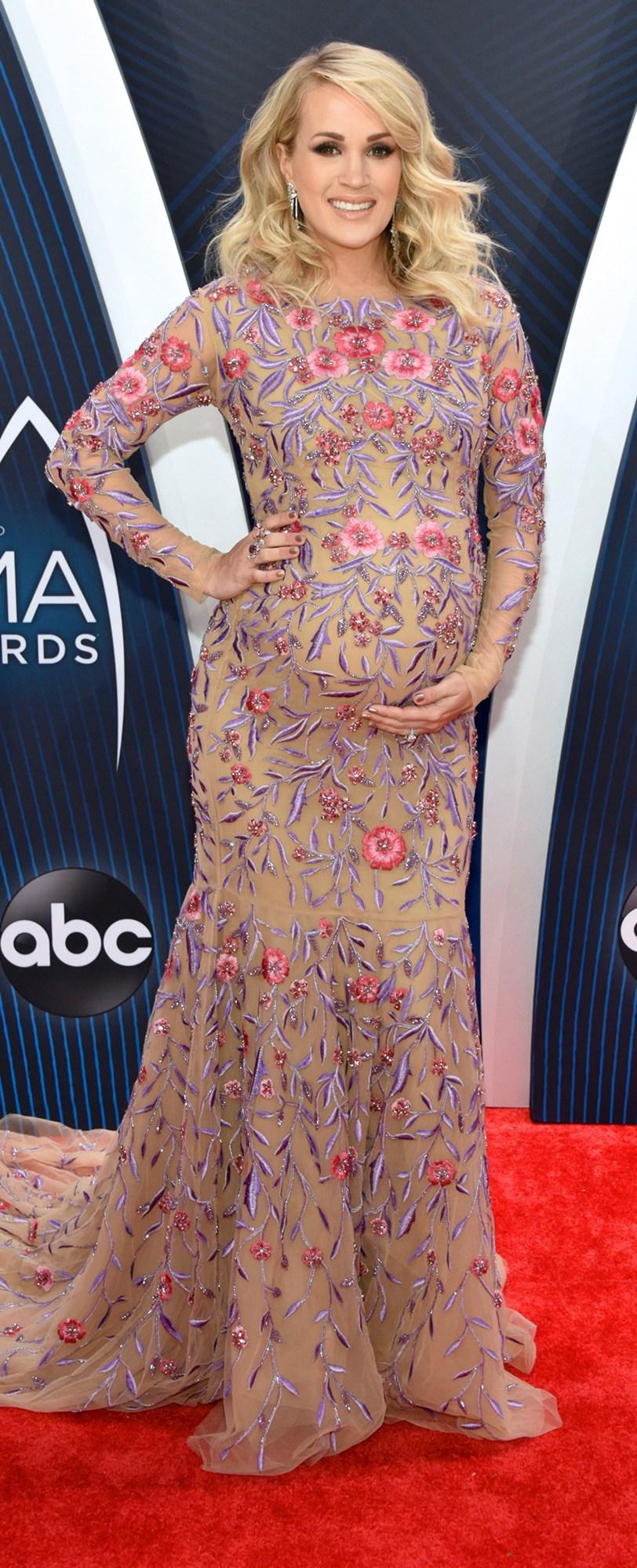 Carrie-Underwood-CMA-Awards-18