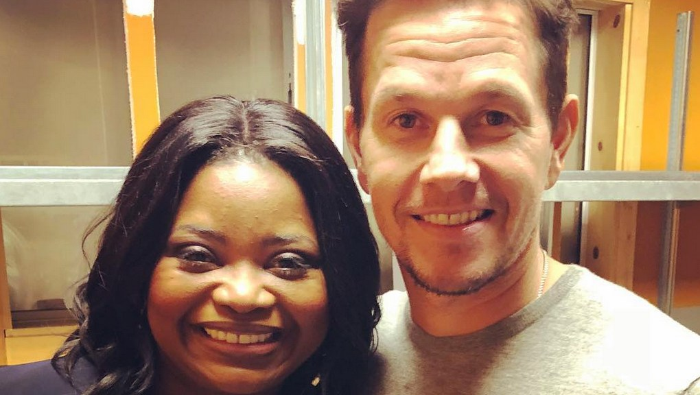 Octavia Spencer and Mark Wahlberg working out