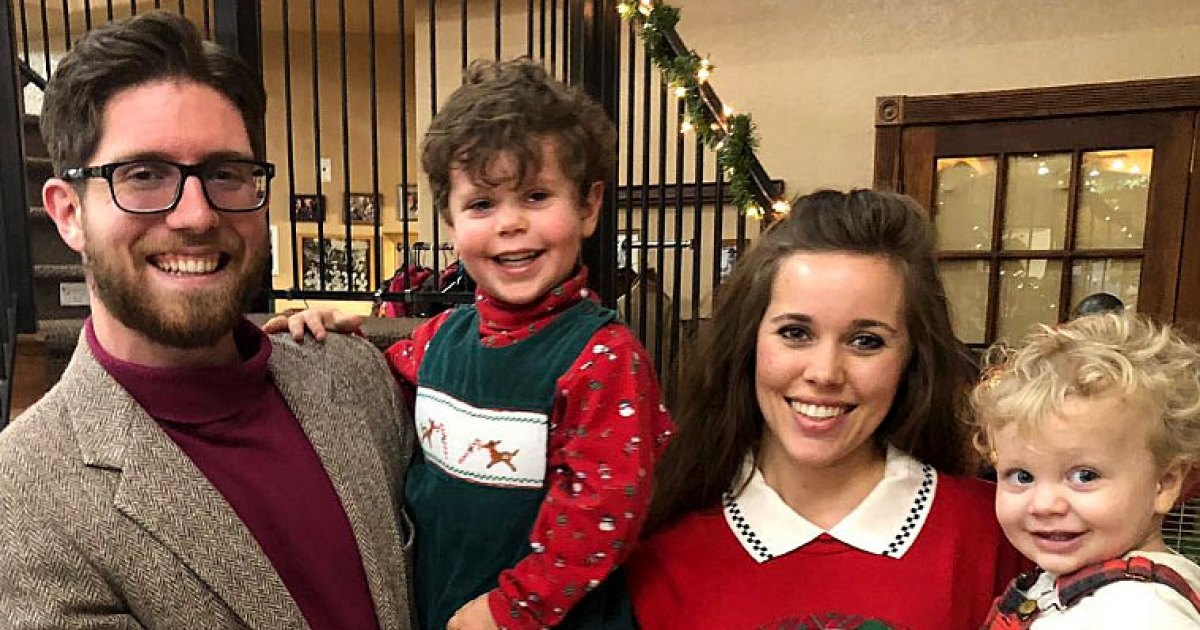 Duggar Family Has First Ugly Christmas Sweater Party: Pics