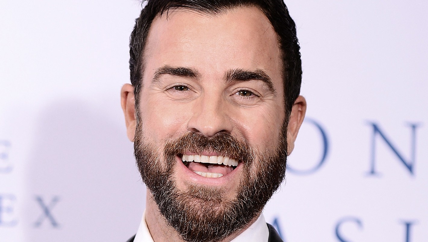 Justin Theroux Jokes 'New Couple Alert' About Photo of Him and Ruth Bader Ginsburg