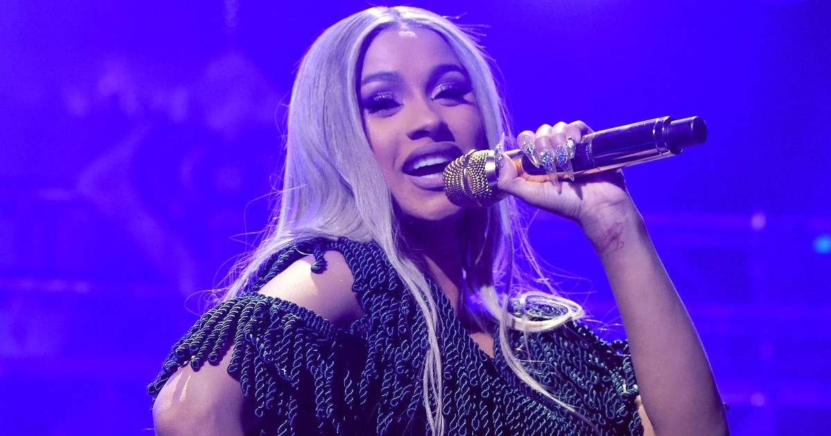 Cardi B Pet: Cardi B Performs For The First Time Since Split From Offset