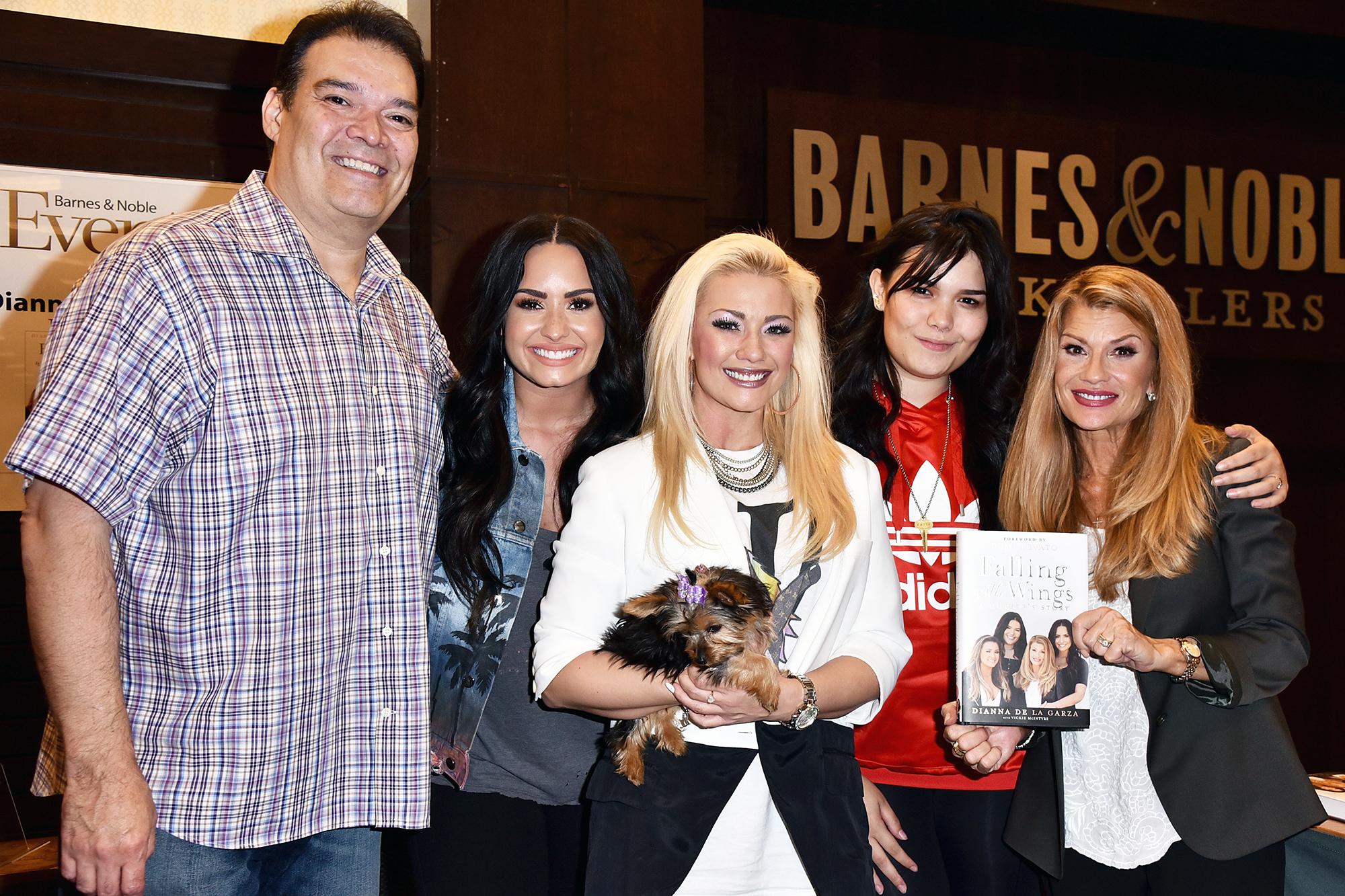 Dallas Lovato Nude Photos 88