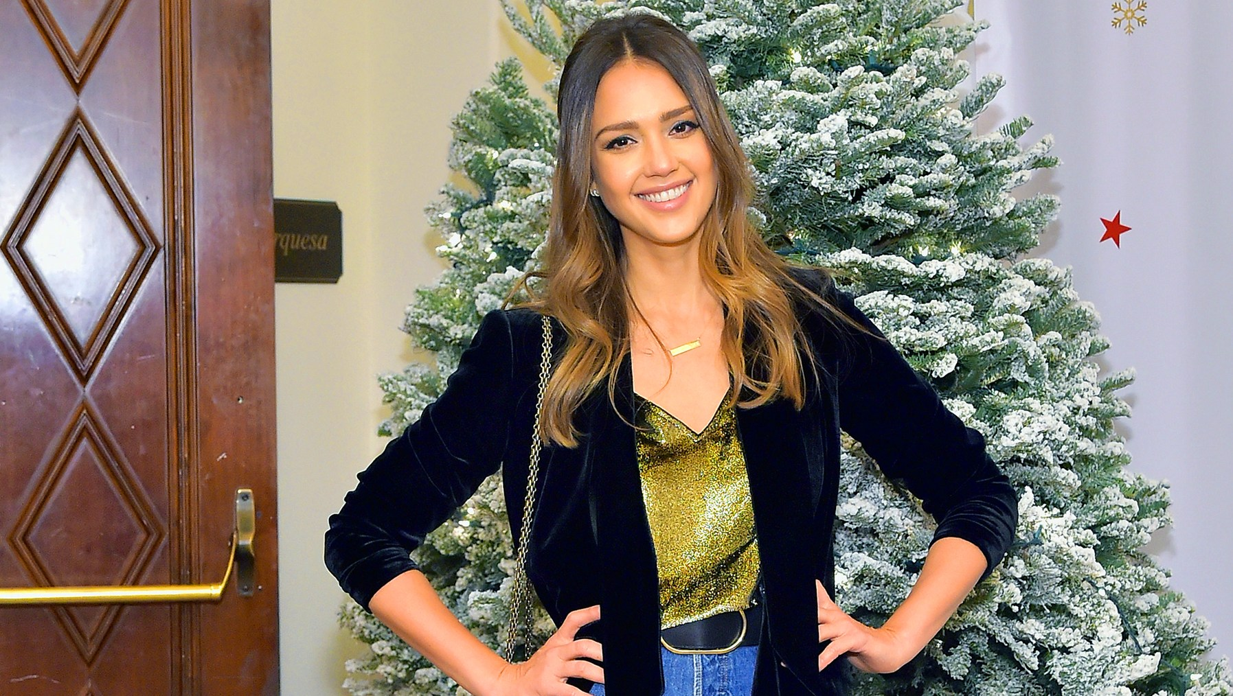 Jessica Alba Reveals How Her Mom Paid for Family Christmas Gifts