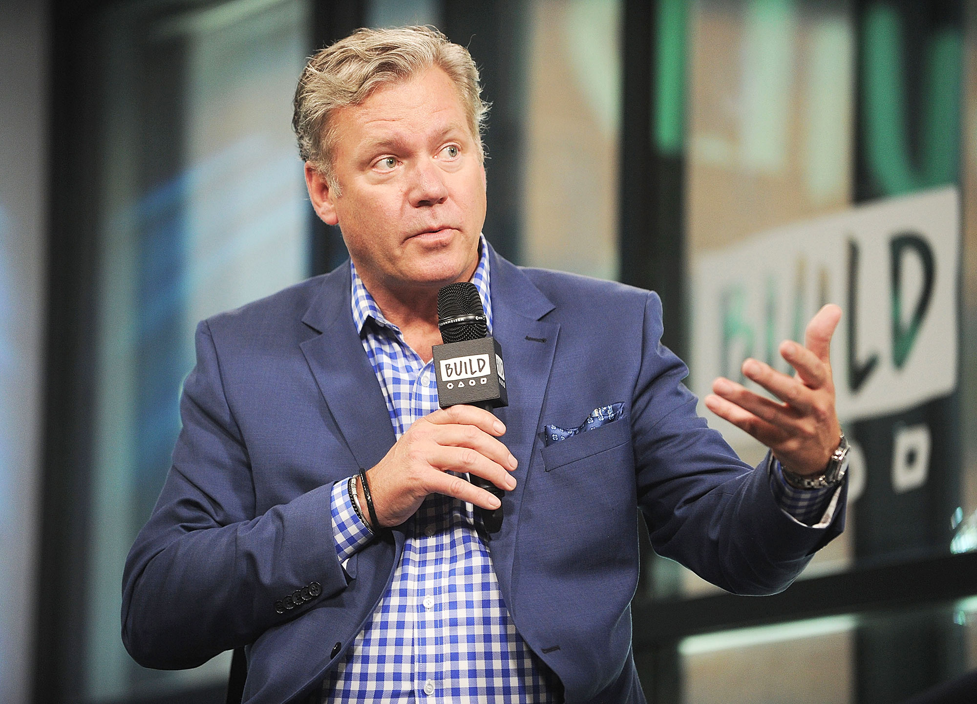 To Catch a Predators Chris Hansen Charged With Bouncing Checks