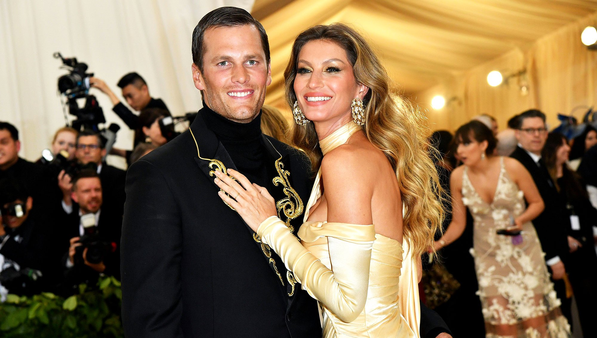 Gisele Bundchen Congratulates Tom Brady as Patriots Head to Super Bowl: 'Love You Baby'