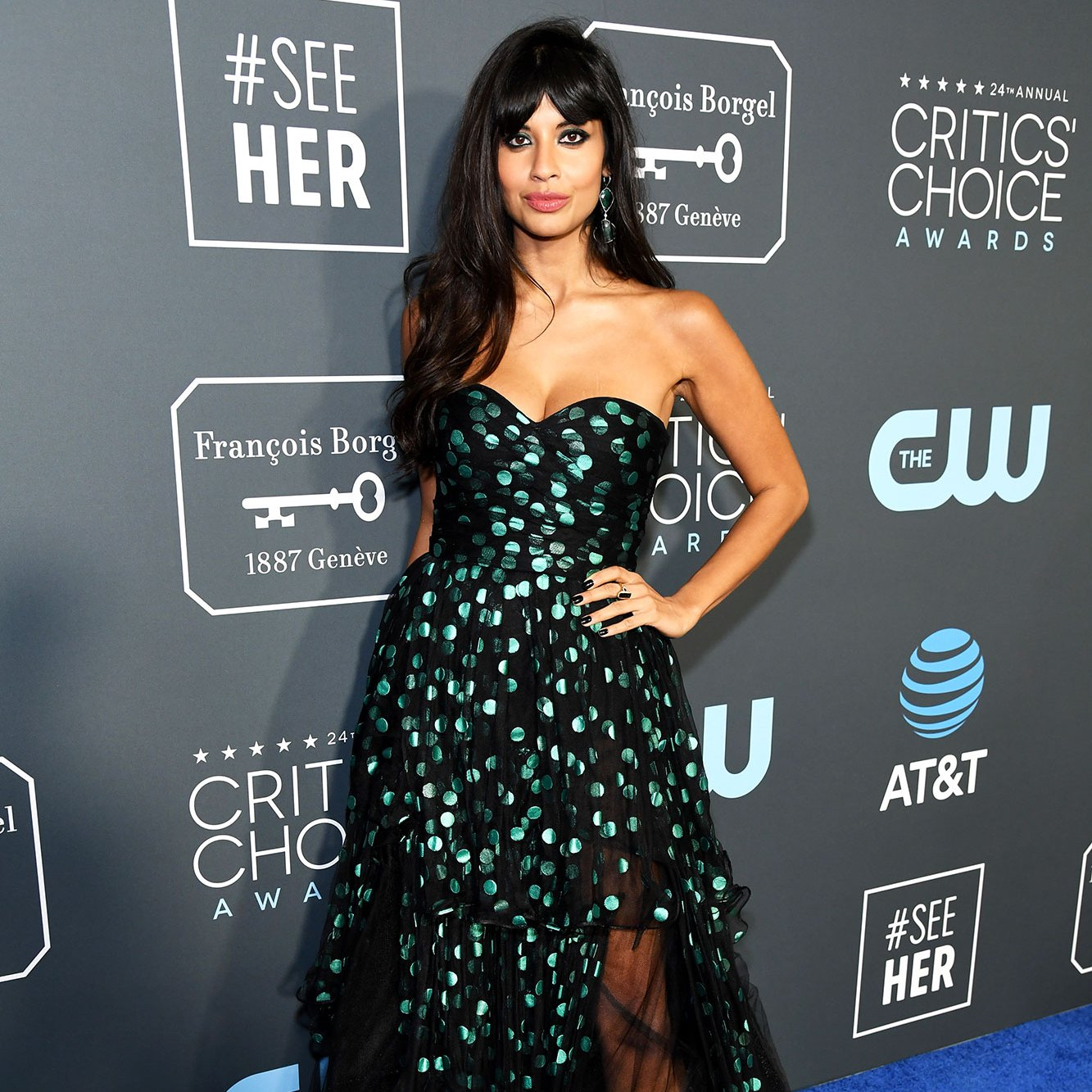Jameela Jamil critics choice awards 2019 combat boots