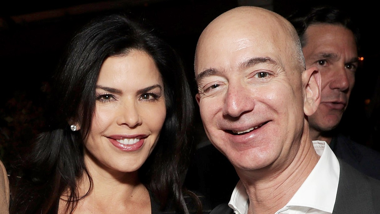 Jeff-Bezos-and-Lauren-Sanchez-affair-engagement