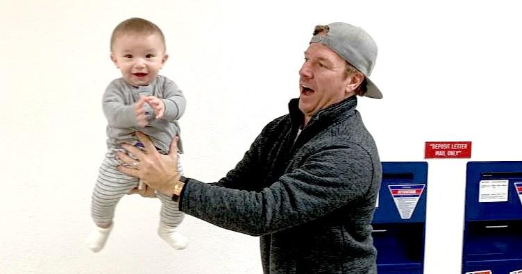 Joanna, Chip Gaines' Baby Crew Gets Passport Photo Taken