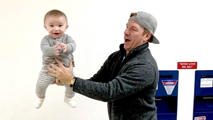 Joanna-Chip-Gaines'Baby-Crew-Gets-His-Passport-Photo-Taken