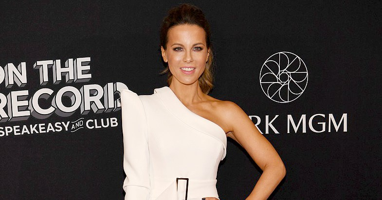 Kate Beckinsale Stunned in a White Minidress While Out in Las Vegas