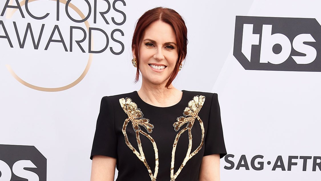 SAG Awards 2019: Megan Mullally Bought Her Own Alexander McQueen Red Carpet Dres