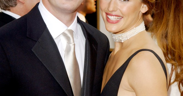 Jennifer Garner's Dating History: Ben Affleck, Scott Foley and More!.jpg