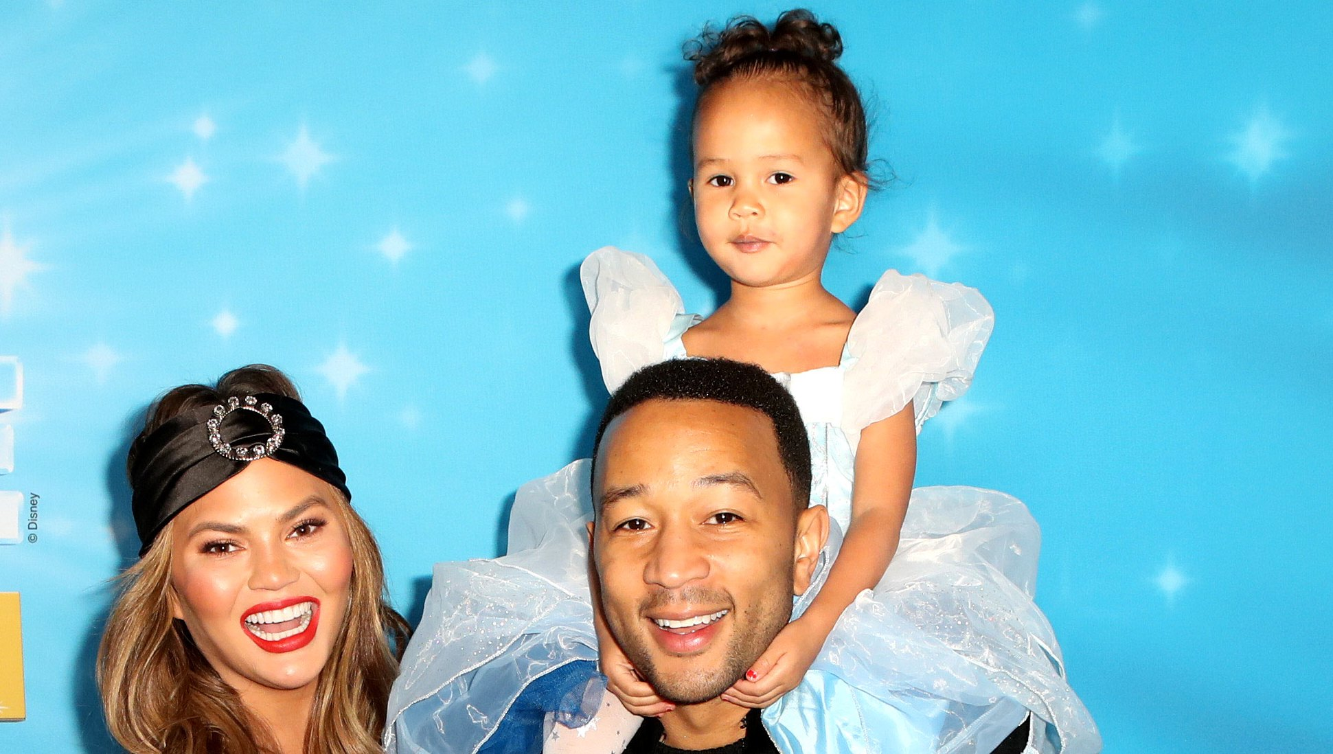 Chrissy Teigen Cooks With Daughter Luna, Shows Off 'My Own Knives'