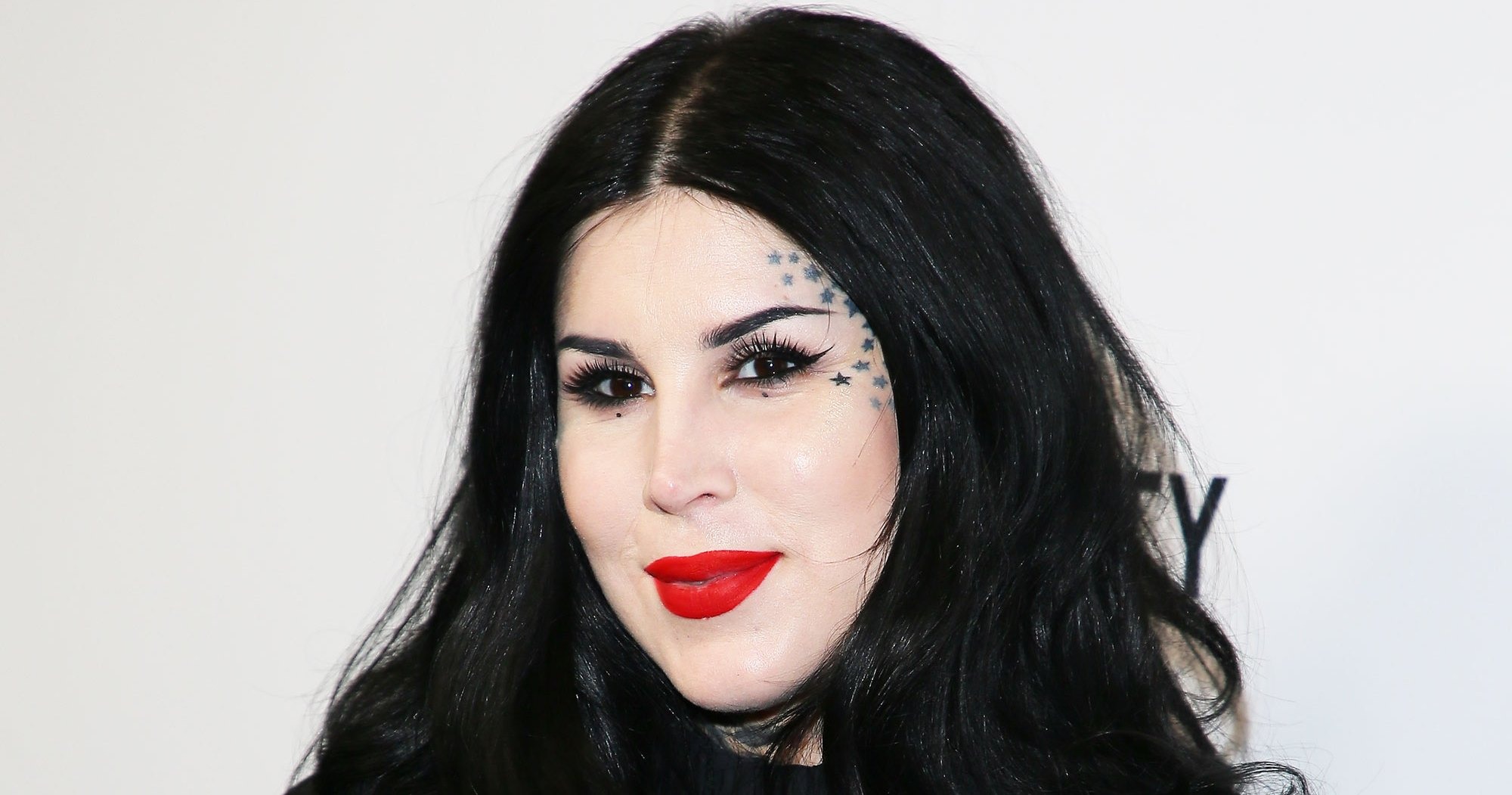Kat Von D Breast-Feeds Son Leafar in Makeup-Free Video