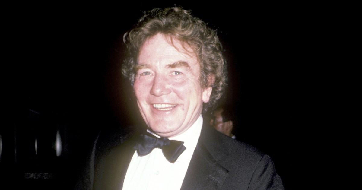 Albert Finney Dead Erin Brockovich Actor Dies At 82
