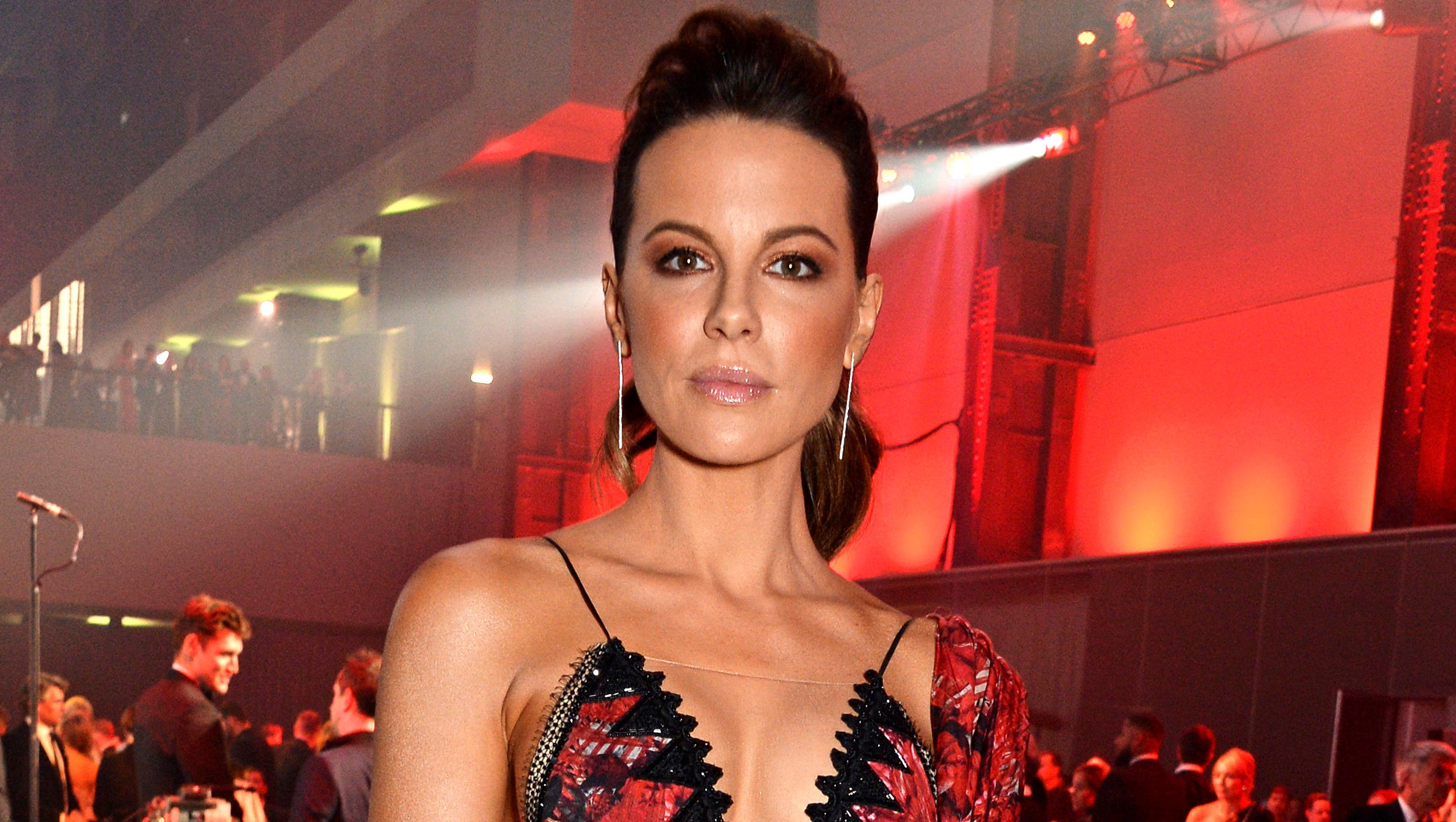 How Ageless Kate Beckinsale Keeps Her Body in Such Amazing Shape