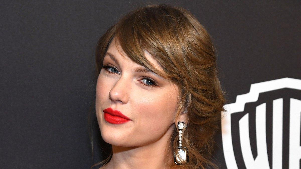 Taylor Swift Fans Spy Instagram Clues About Her Next Album