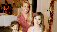 Birdie-Leigh-and-Cricket-Pearl-Silverstein-Busy-Philipps-kids-named-after-animals