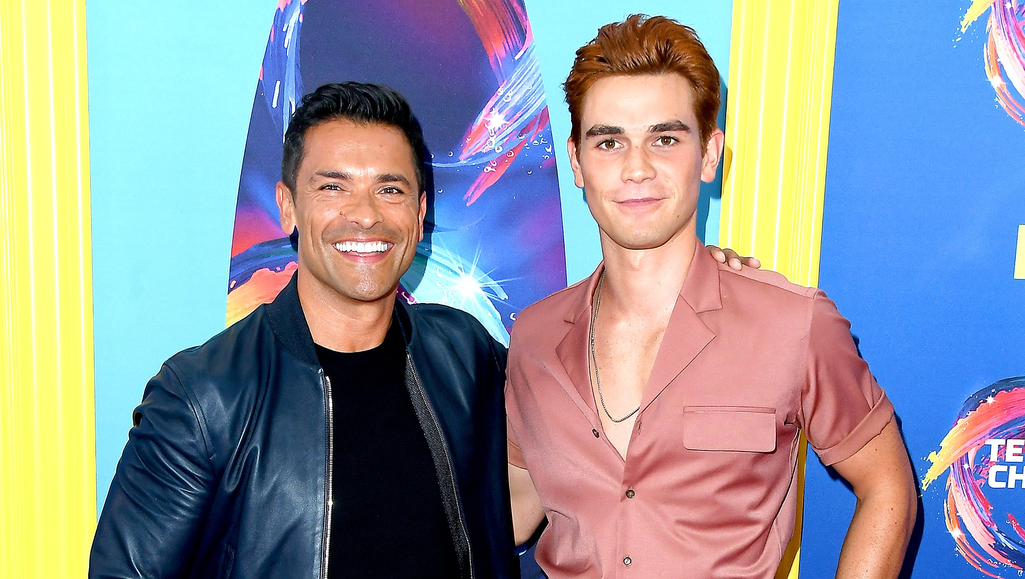 Mark-Consuelos-Trolls-KJ-Apa-With-His-Insanely-Ripped-Abs