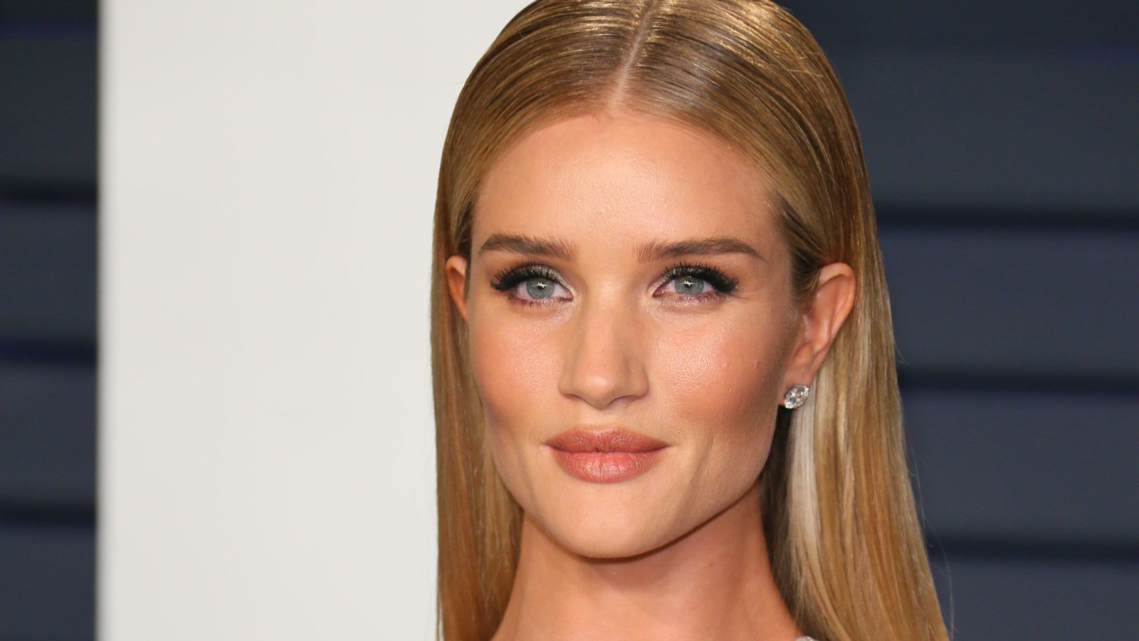 203216cc506 This Eyelash Curler Is Rosie Huntington-Whiteley s Secret to Supermodel  Lashes