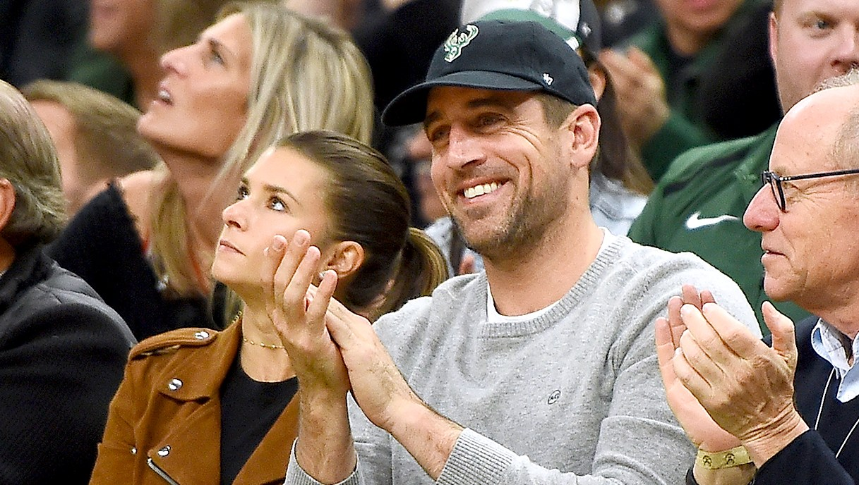 Aaron-Rodgers-Basketball-Game-Danica-Patrick
