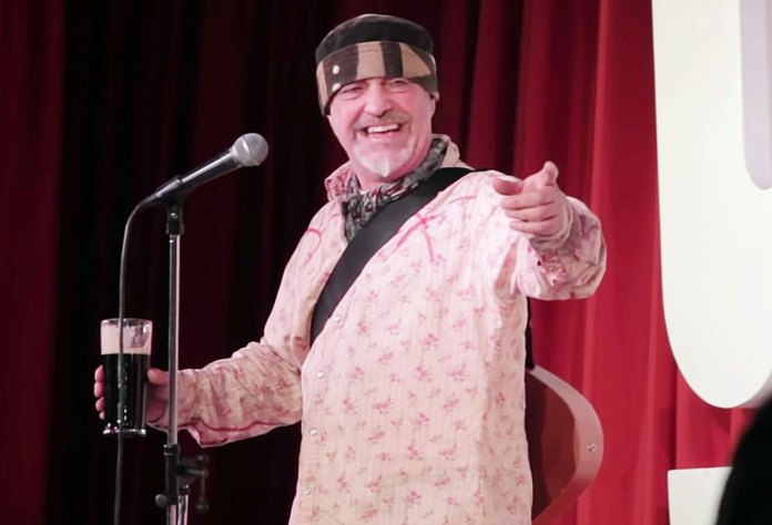 https://www.usmagazine.com/wp content/uploads/2019/04/British Comedian Ian Cognito Dead Onstage