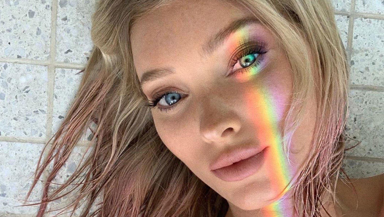 Elsa Hosk pink hair coachella 2019 weekend 2 victoria's secret