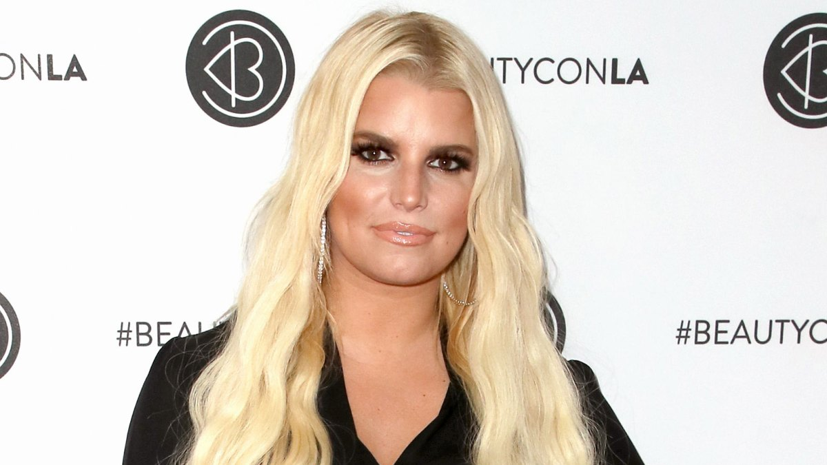 Jessica Simpson Shares Sleepy Shot of 1-Month-Old Daughter Birdie: 'Don't Wake the Dreamer'