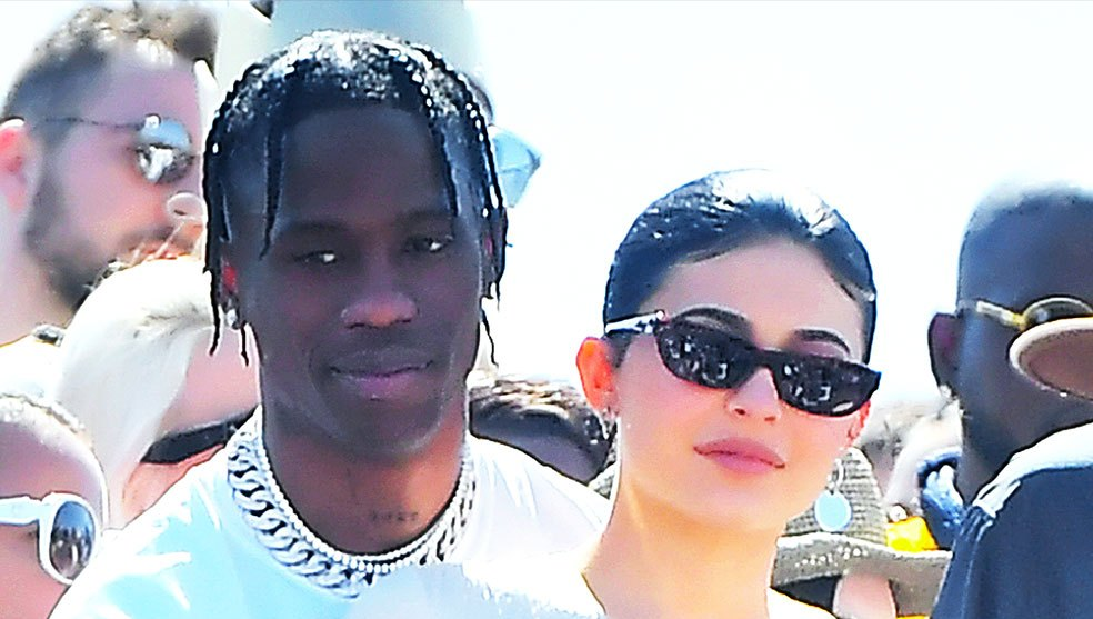 Kourtney Kardashian Kendall Jenner Travis Scott Kylie Jenner Kanye West Easter Performance Coachella 2019