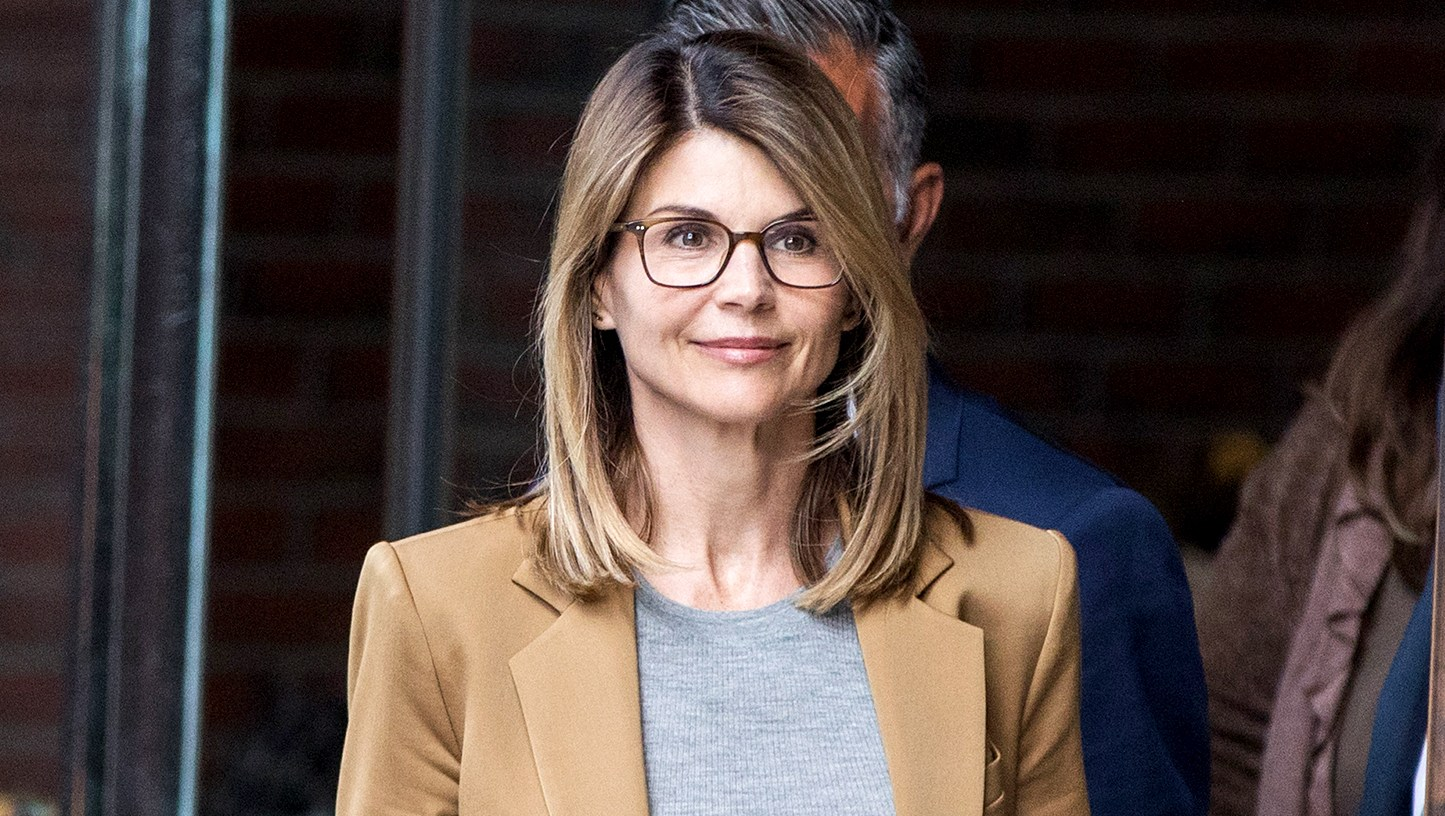 Lori-Loughlin-Pleads-to-Fraud-in-College-Admissions-Scandal