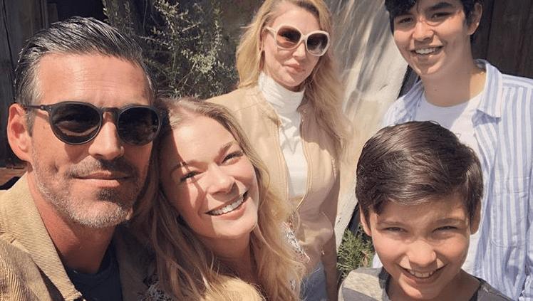 LeAnn Rimes, Brandi Glanville Spend 'Awkward Family Easter' Together