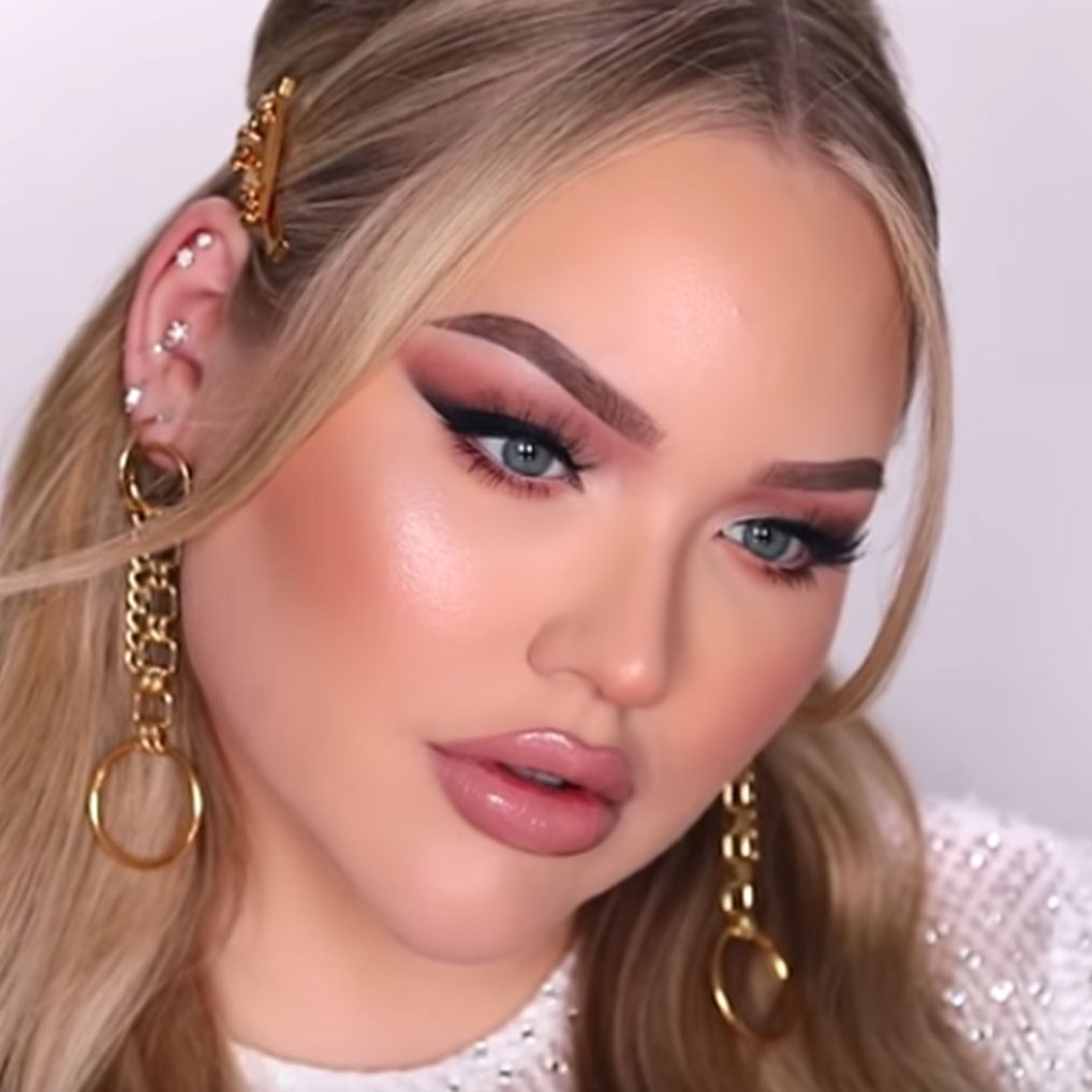 Snoop Dogg Nikkietutorials youtube beauty guru