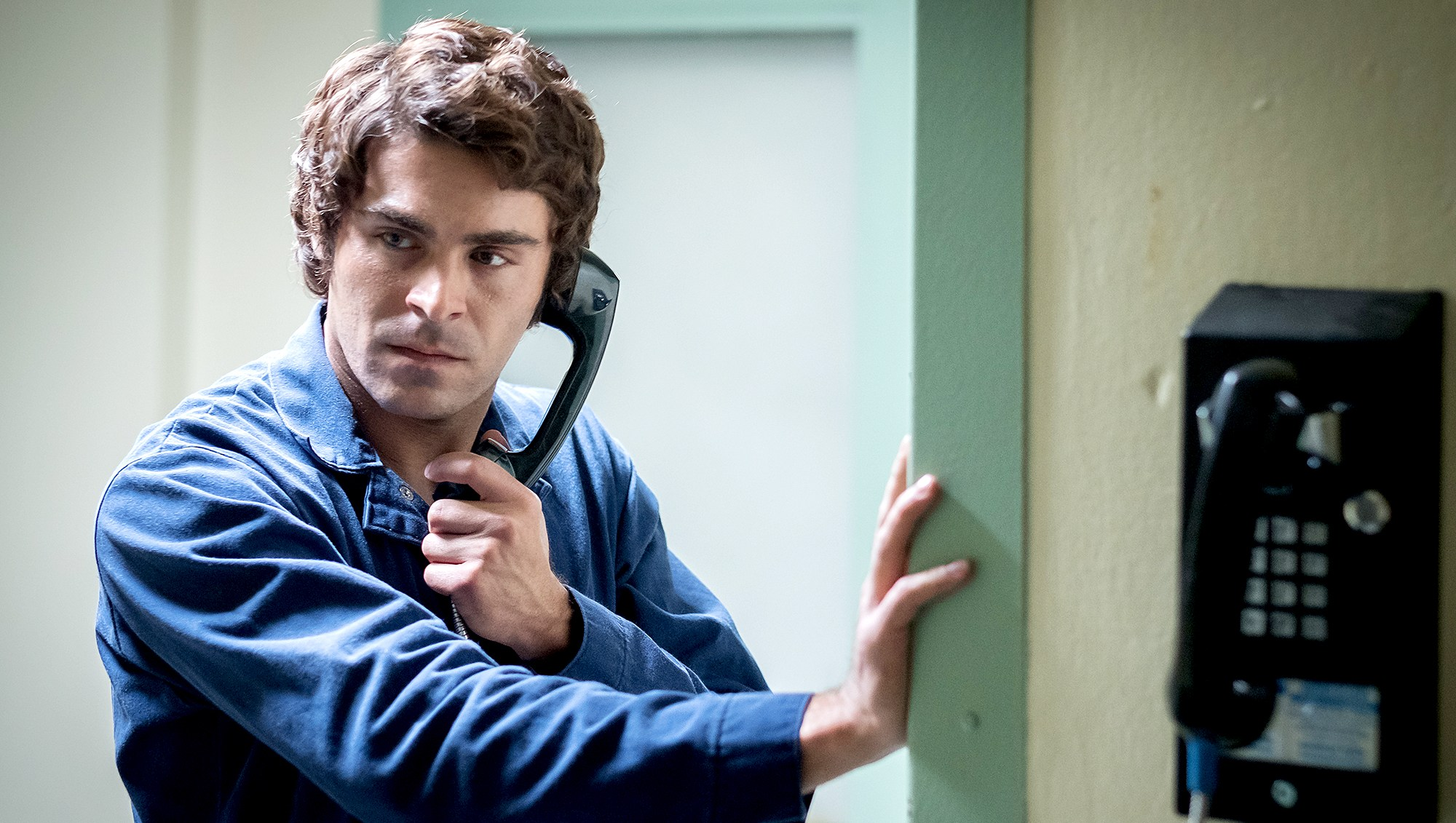 Zac-Efron-Extremely-Wicked,-Shockingly-Evil-and-Vile
