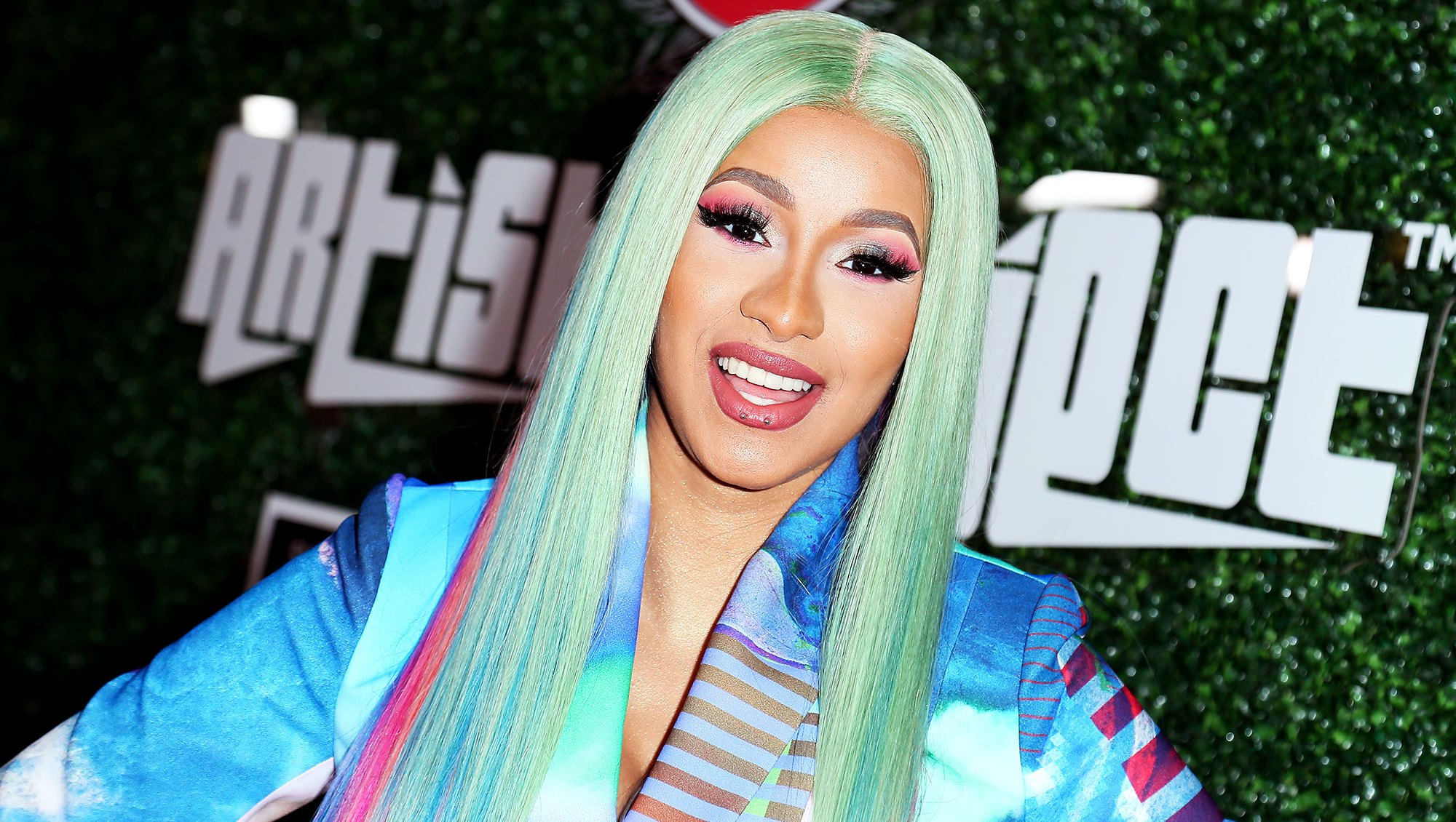 Cardi B coachella 2019 Swisher Sweets Awards rainbow hair wig