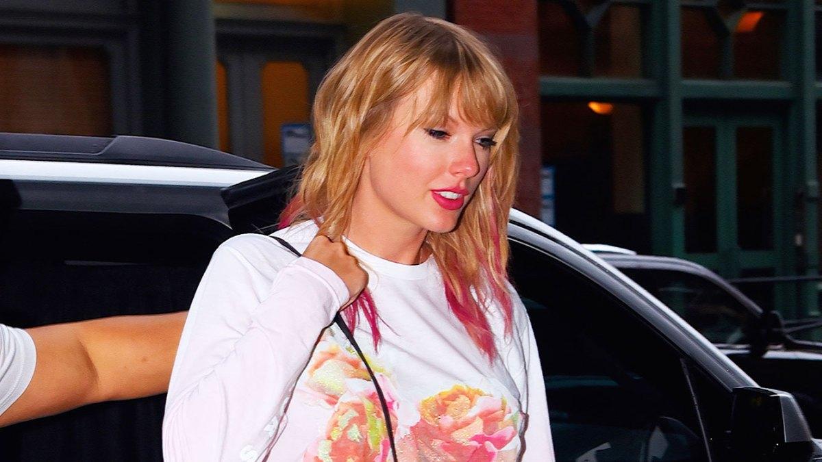 8fec3ef1209 Taylor Swift Wears TS7 Floral Shirt Merchandise