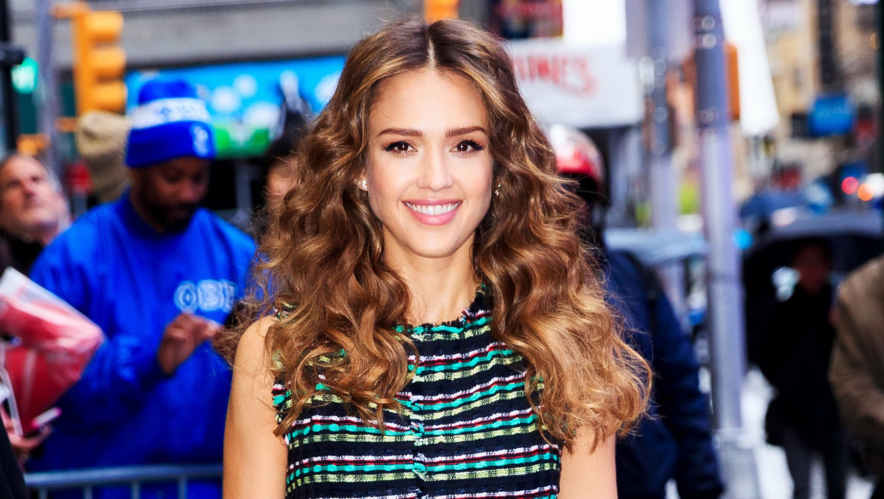 Celebs With Curly Hair Jessica Alba