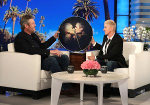 Ellen DeGeneres Gives Blake Shelton a Pre-Engagement Gift, Suggests He Proposes to Gwen Stefani on Mother's Day