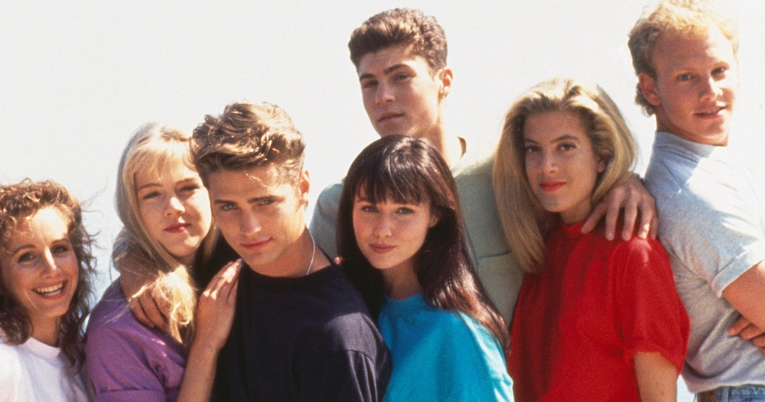 'Beverly Hills, 90210' Cast Shares Behind-the-Scenes Photos, Videos of Show's Reboot 'BH90210'