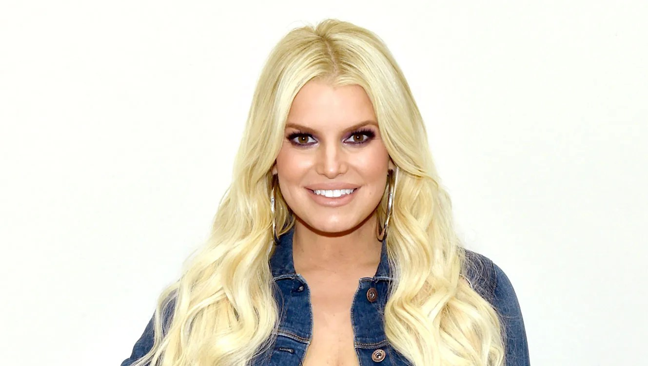 Jessica Simpson Stretches in Rubber Corset 7 Weeks After Giving Birth: 'The Joy of Postpartum'