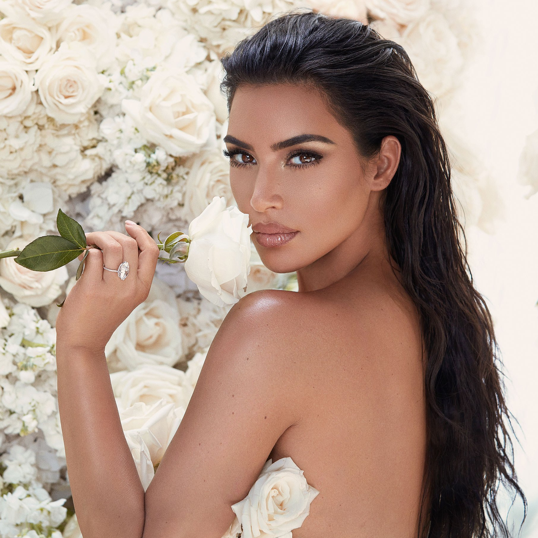 Promo-KKW-BEAUTY-MRS-WEST-COLLECTION-_GREG-SWALES-2