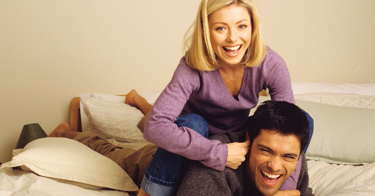 Kelly Ripa and Mark Consuelos: A Timeline of Their Relationship 1