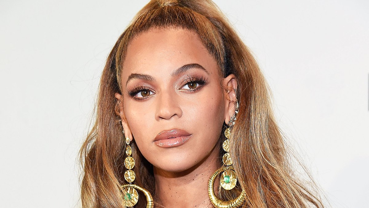 Beyonce's Makeup Artist Sir John Shares How to Get Her 'Lion King'-Inspired Beauty Look — Listen!