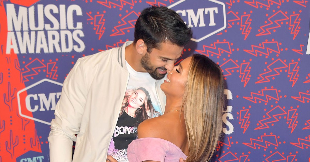 8daa2af5 CMT Awards 2019: Eric Decker Rocks Jessie James Decker T-Shirt: Pics