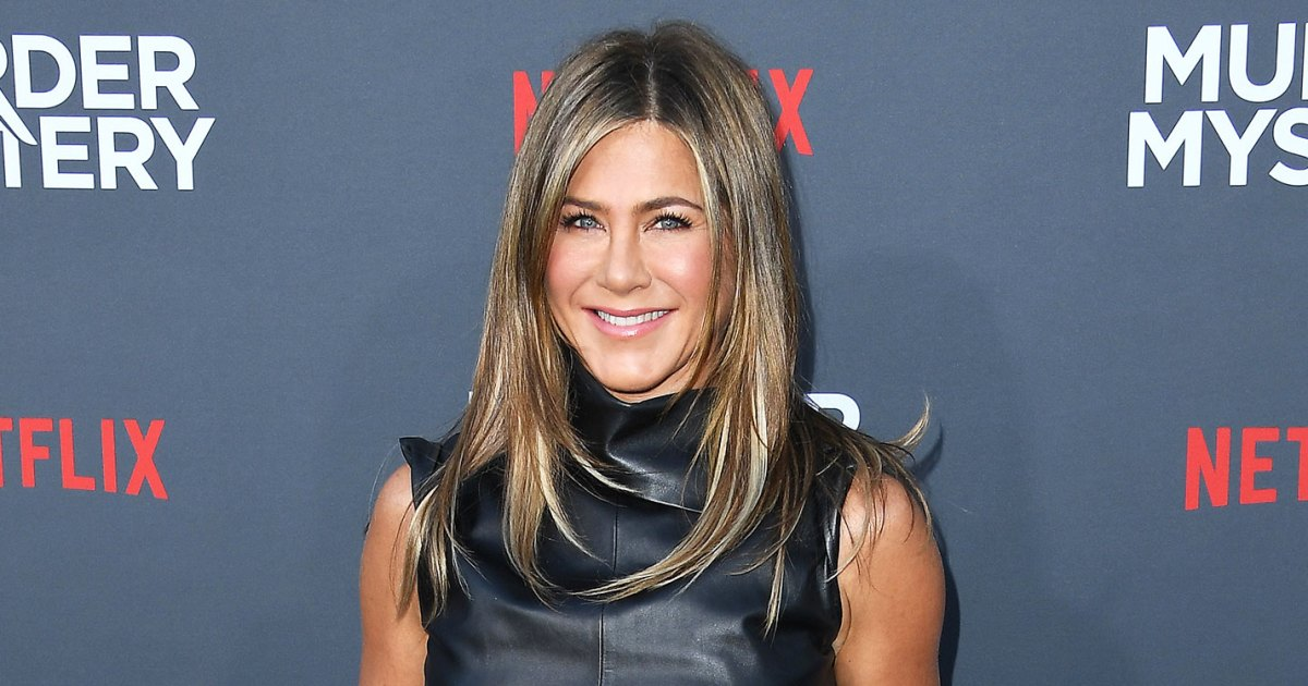 Jennifer Aniston Rocked These Exact Super Casual Slides From Dr. Scholl's