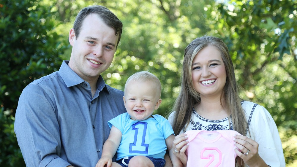 Counting On's Joe and Kendra Duggar Reveal Sex of Baby No. 2 thumbnail