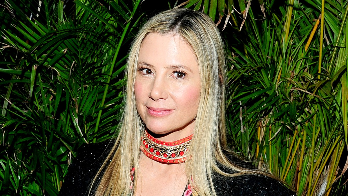 Mira Sorvino Reveals She Was a Victim of Date Rape: 'You Feel Shame'